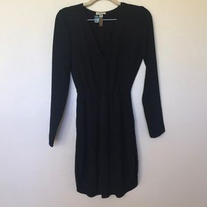 Aritzia Wilfred Long Sleeve V neck dress